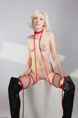 Bound and Beautiful FHG Lilly